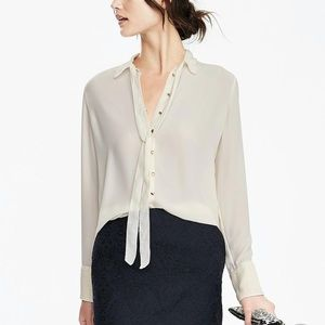 Banana Republic Light Weight Neck Tie Blouse